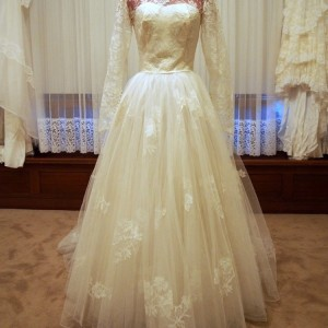 rose vintage wedding dress