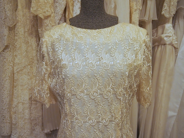 Drop waist lace vintage wedding dress daisy vintage aisle for Daisy lace wedding dress