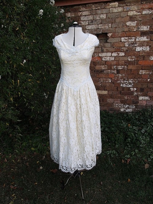Sarah Vintage Wedding Dress