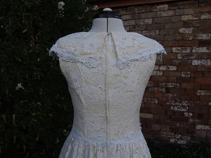 Sarah Vintage Wedding Dress