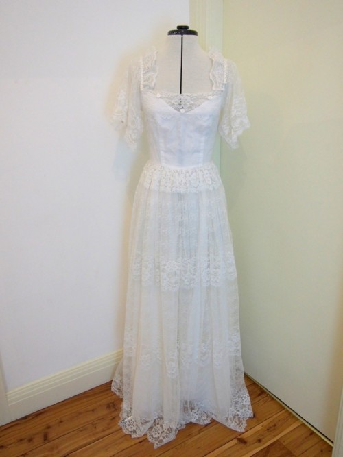 betty vintage wedding dress